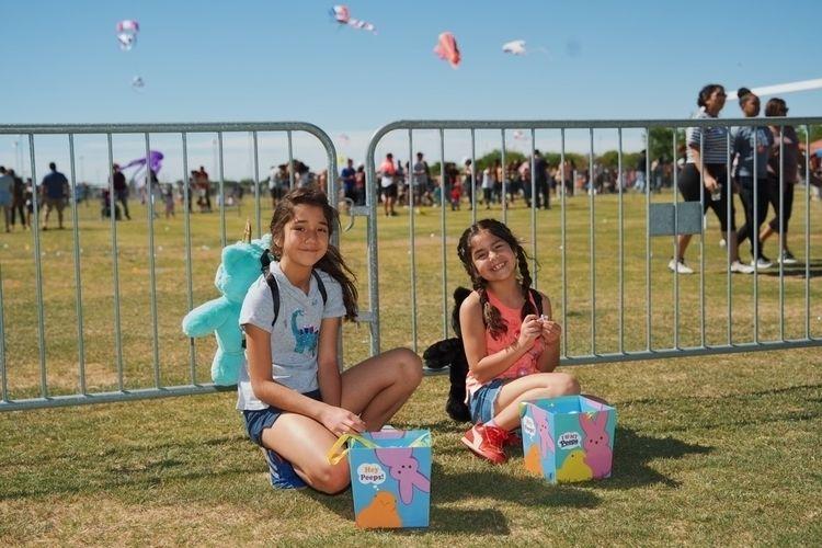 Easter Egg Hunt girls - easter, eastereggs - benraigoza   ello