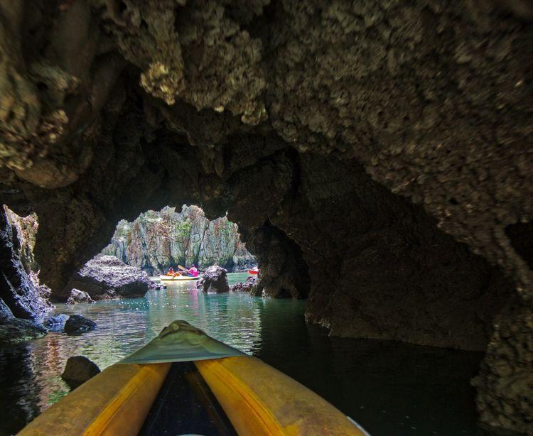 Canoeing cave tunnel hidden lag - neilhoward   ello