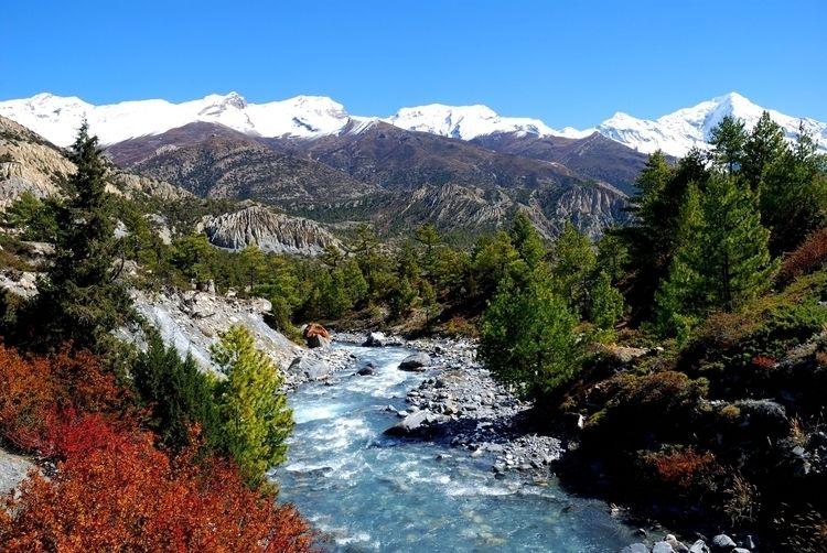 Marsyangdi river Pisang peaks A - curllabs | ello