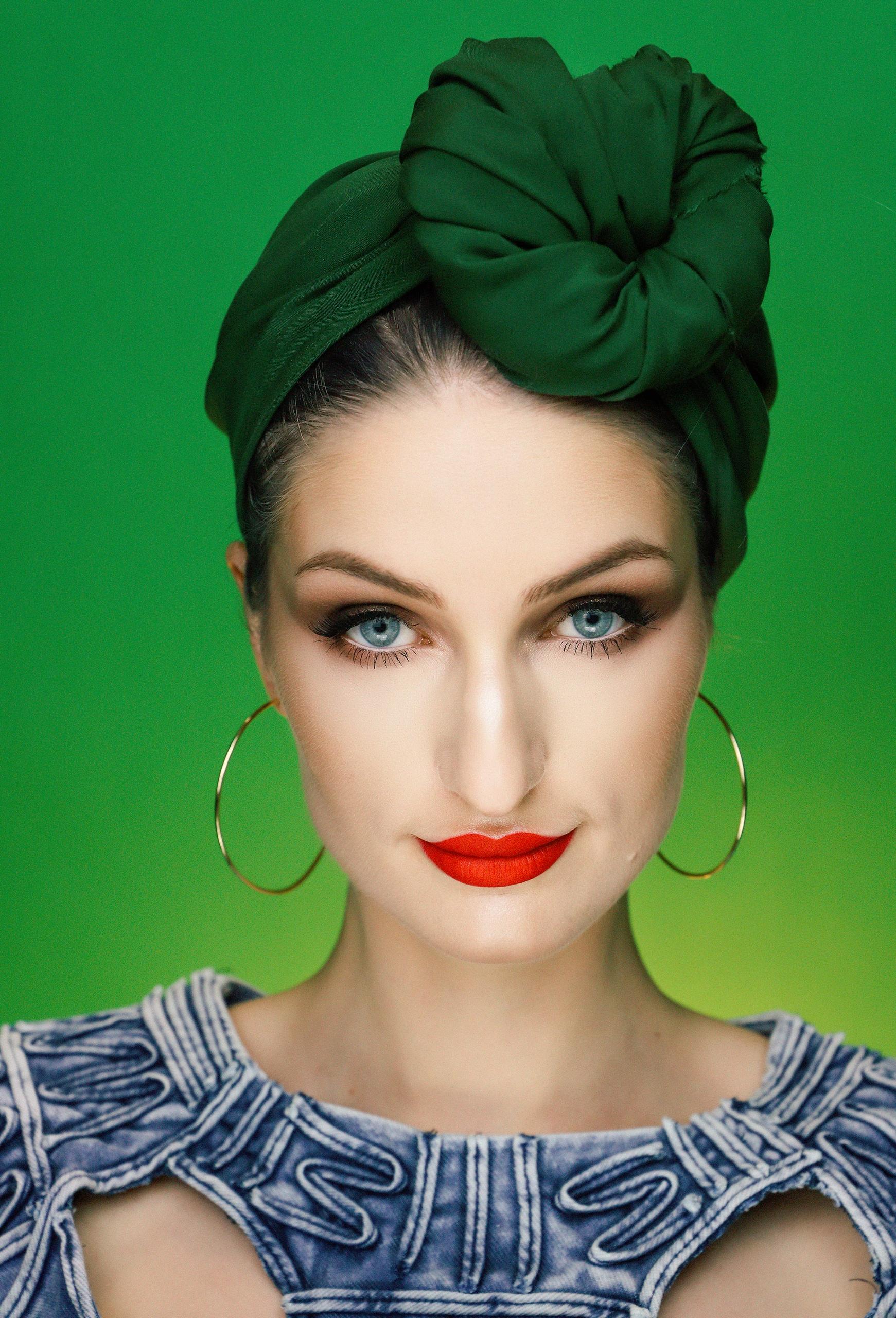Make-up inspirowany obrazem 'Zielony turban' by Tamara Łempicka