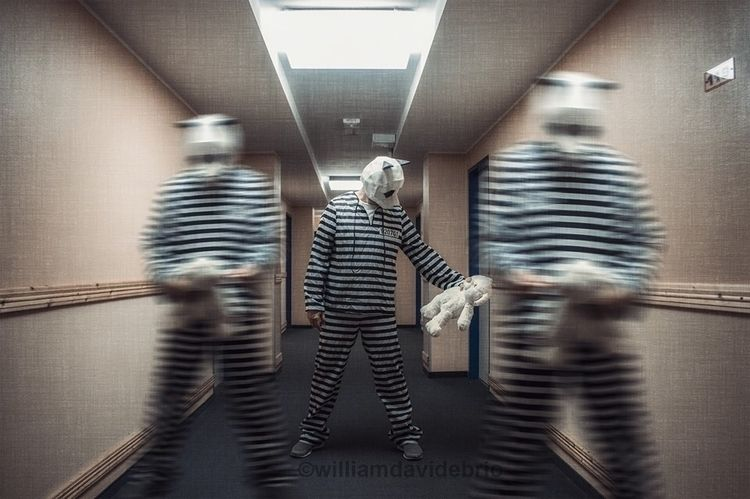 PRISON WALK, performing Düsseld - williamdavidebrio | ello