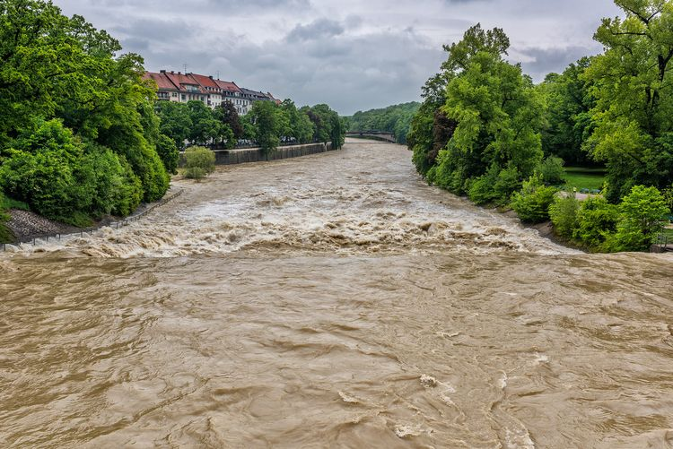 cleaning mode river water - Isar - christofkessemeier   ello