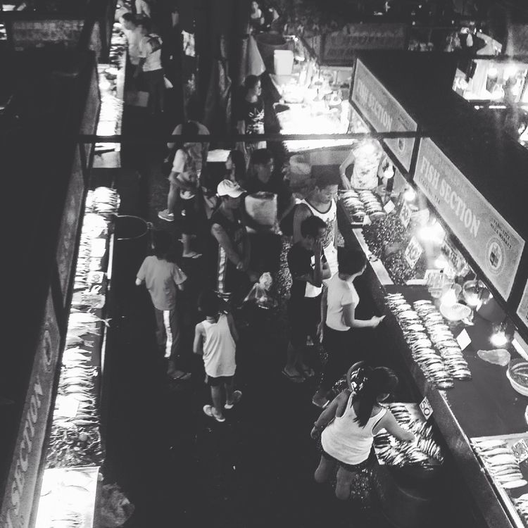 Wet market scenes... fish secti - mikoyzkee   ello