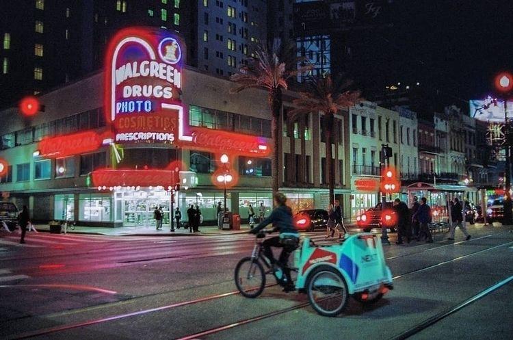 spin downtown.  - cinestill800, filmphotography - brandtimages | ello