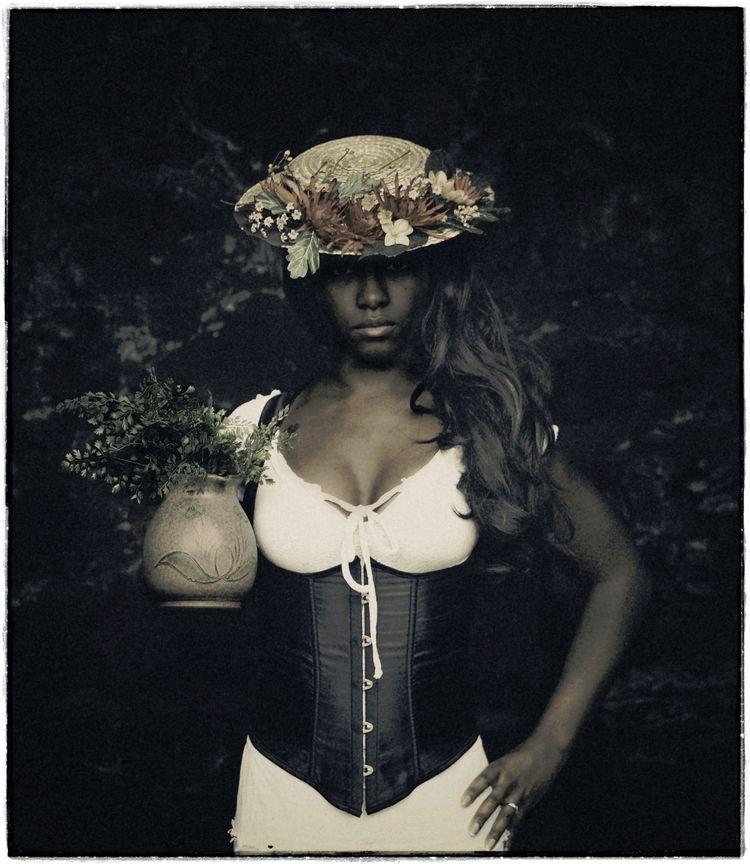 Model: Faye Valenti - stevelease   ello