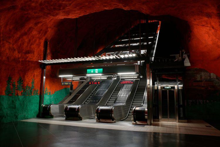 Stockholm Tunnelbana (subway) o - marcushammerschmitt   ello