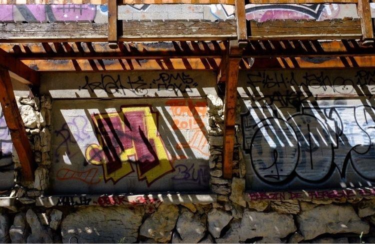light, streetart, shadow, abandonned - asylum_of_spirits | ello