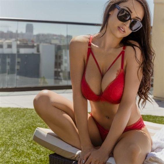 Antoinette horny! video dating  - stephanie_madagascar | ello