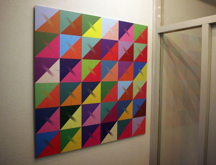 Triangles Gradients Aluminum Pr - arjeneshuis | ello