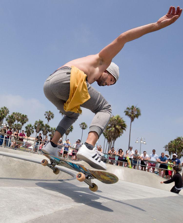 levitation - skateboard, photography - lowhum   ello