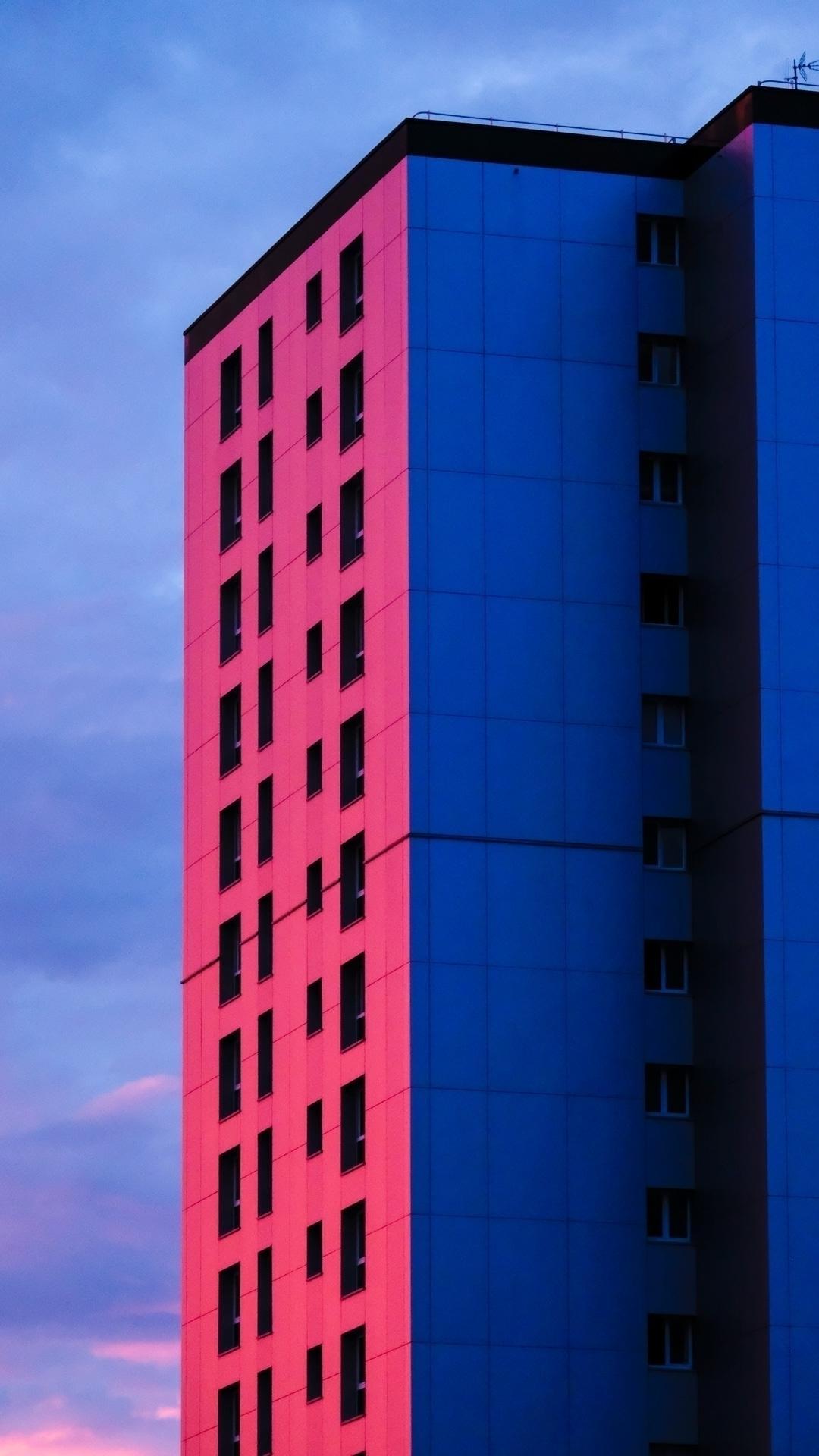 47°12'34.4N 1°31'48.9W - architecture - etng | ello