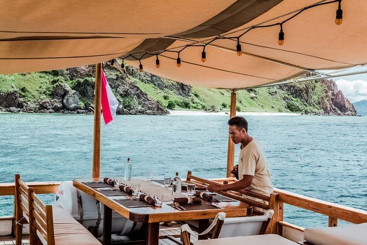 Sailing Komodo liveaboard embod - summerfranklin | ello