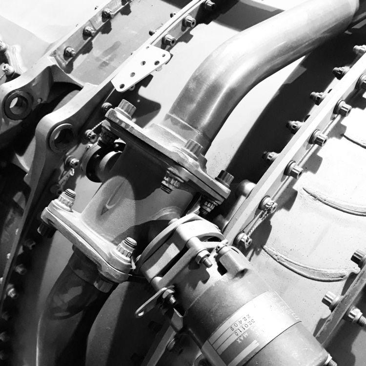 Detail jet engine (Source - photography - yafi | ello