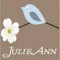Julie (@julieann8) Avatar