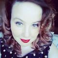 Sarah June (@overthemoonjune) Avatar