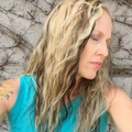 Julie Delgado (@julieanndelgado) Avatar