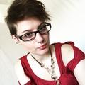 Elizabeth  (@sunburntaloe) Avatar