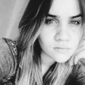 Larissa Guimarães (@larissaguimaraess) Avatar