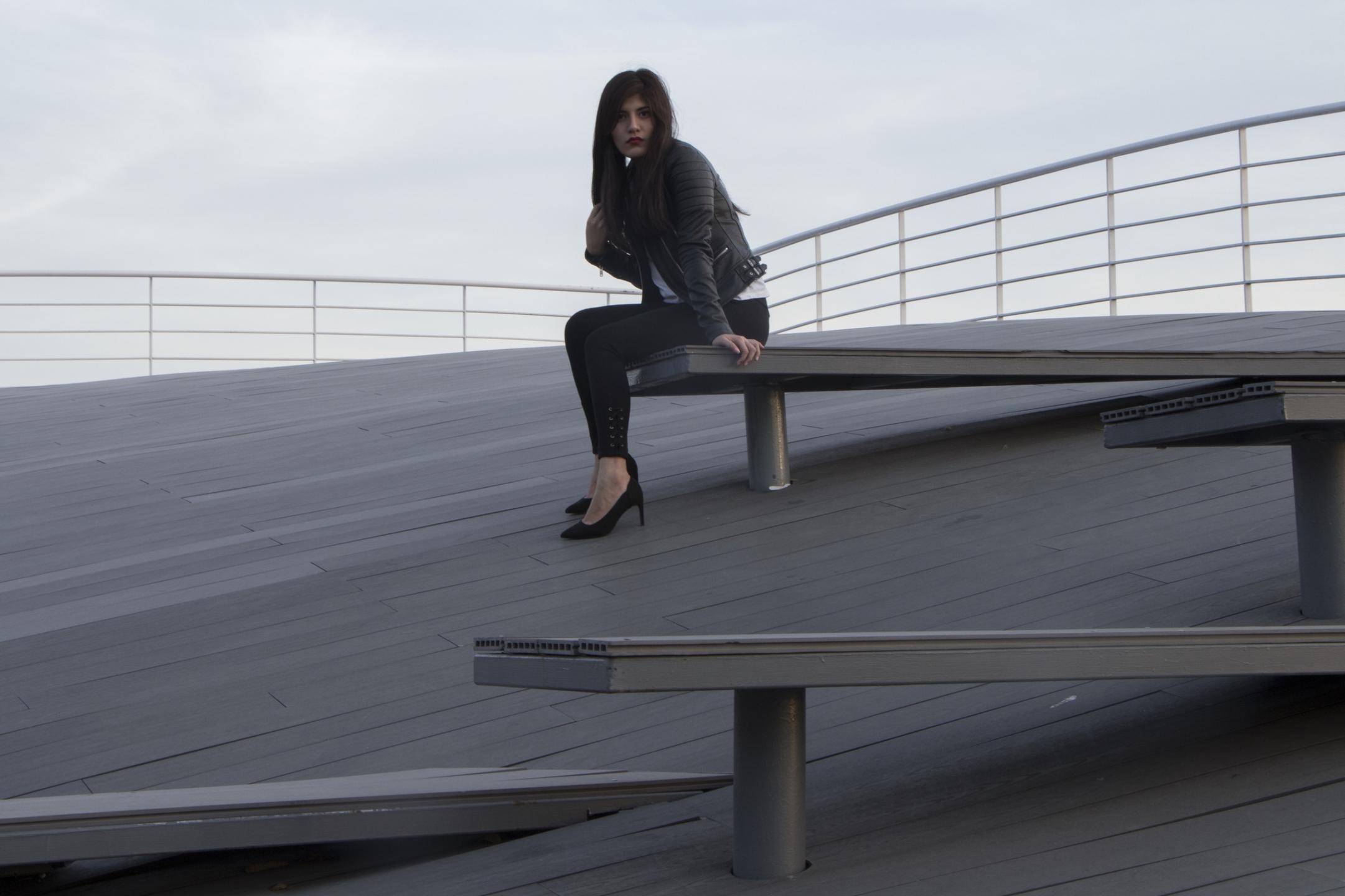 Diana Alvarez (@itzdiana) Cover Image