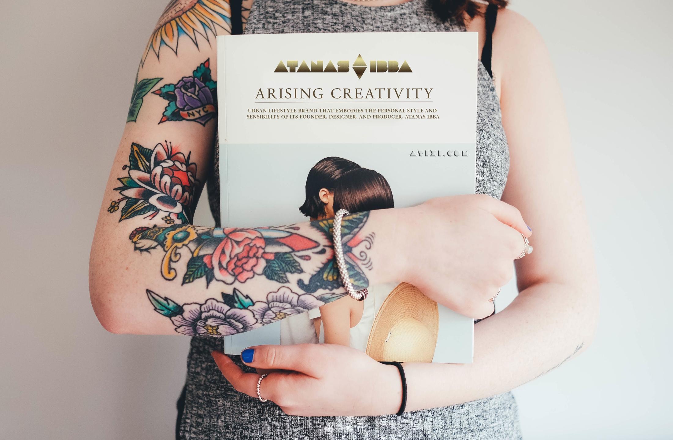 Atixi (@atixi) Cover Image
