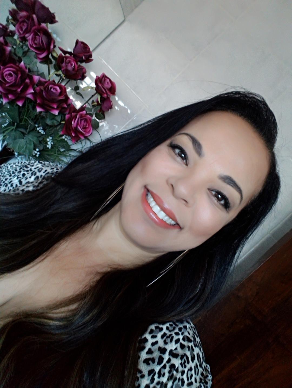 Rosane (@rosaneoliveira) Cover Image