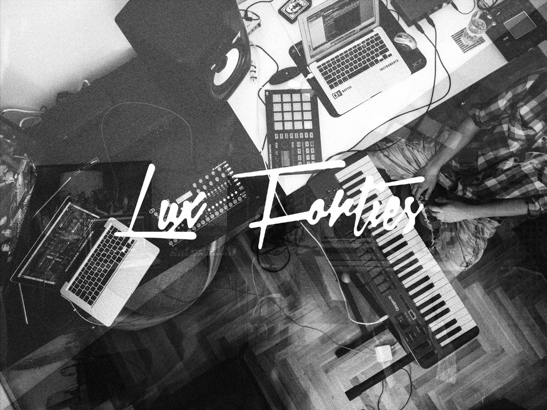 Denis Lovnish (@luxforties) Cover Image