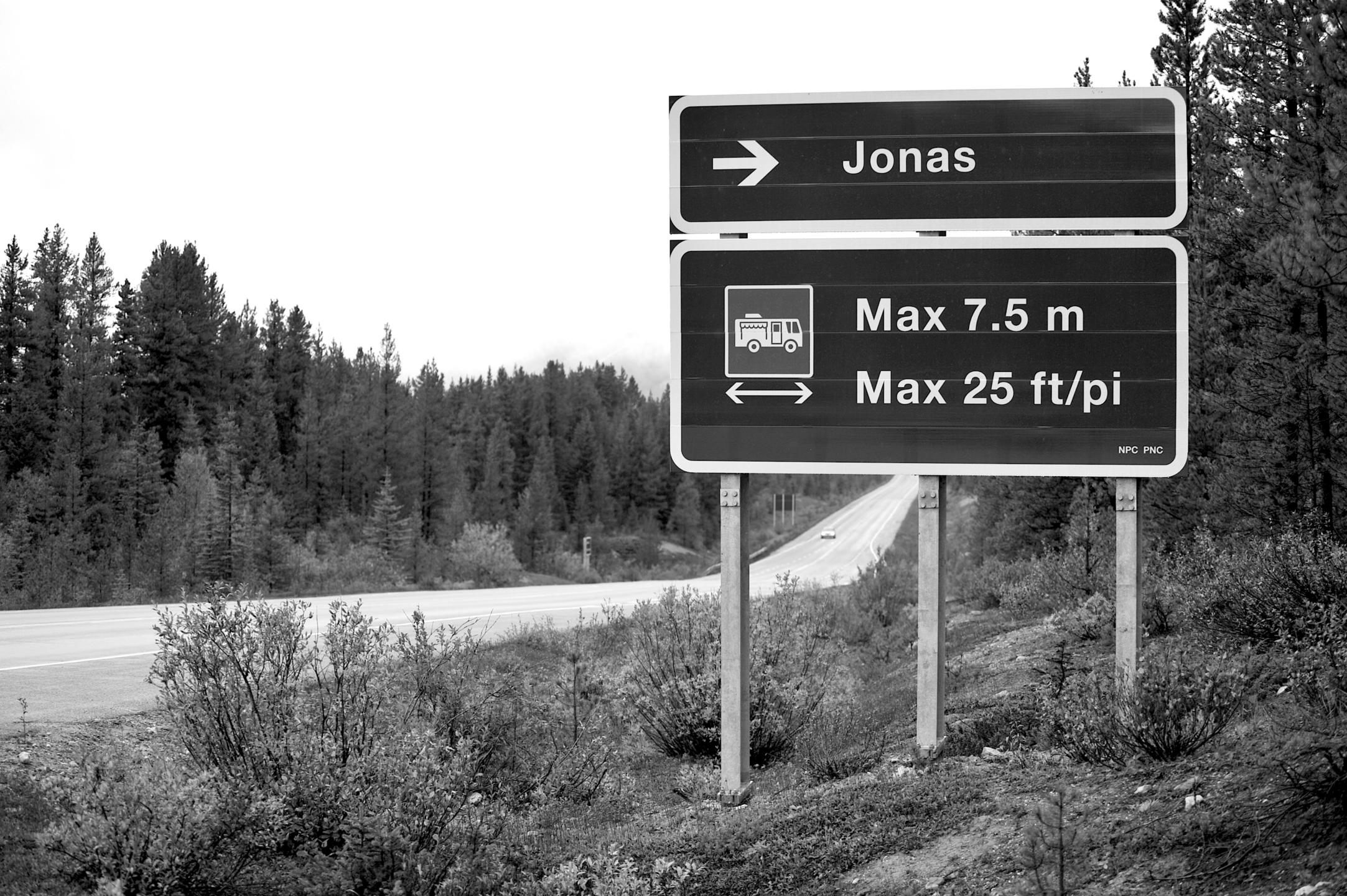 Jonas  (@jonasdefreez) Cover Image