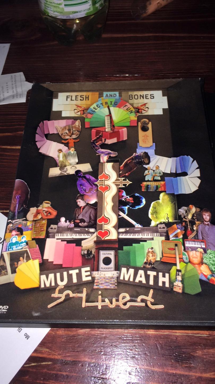 mute (@schwarmgeisterdesign) Cover Image