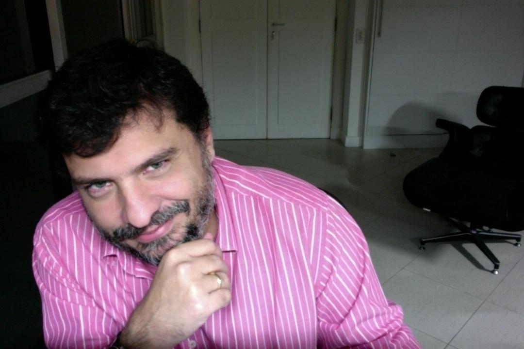 Robson (@philgueiras) Cover Image
