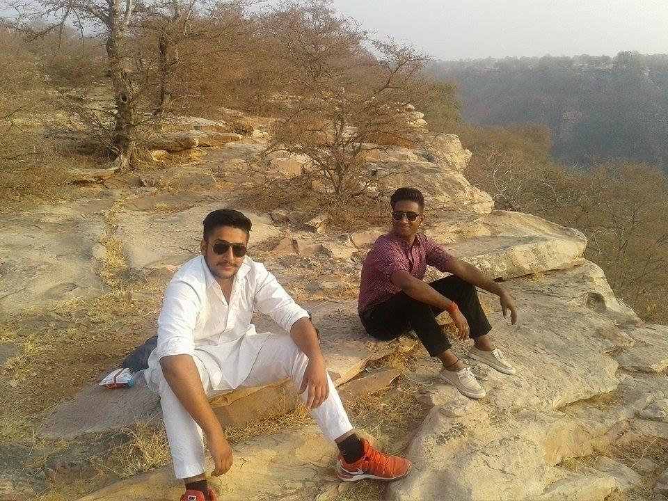 Karanveer Singh (@karanveer351) Cover Image