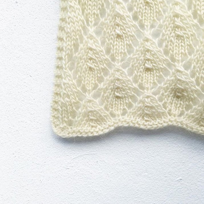 Clare Devine (@knitsharelove) Cover Image
