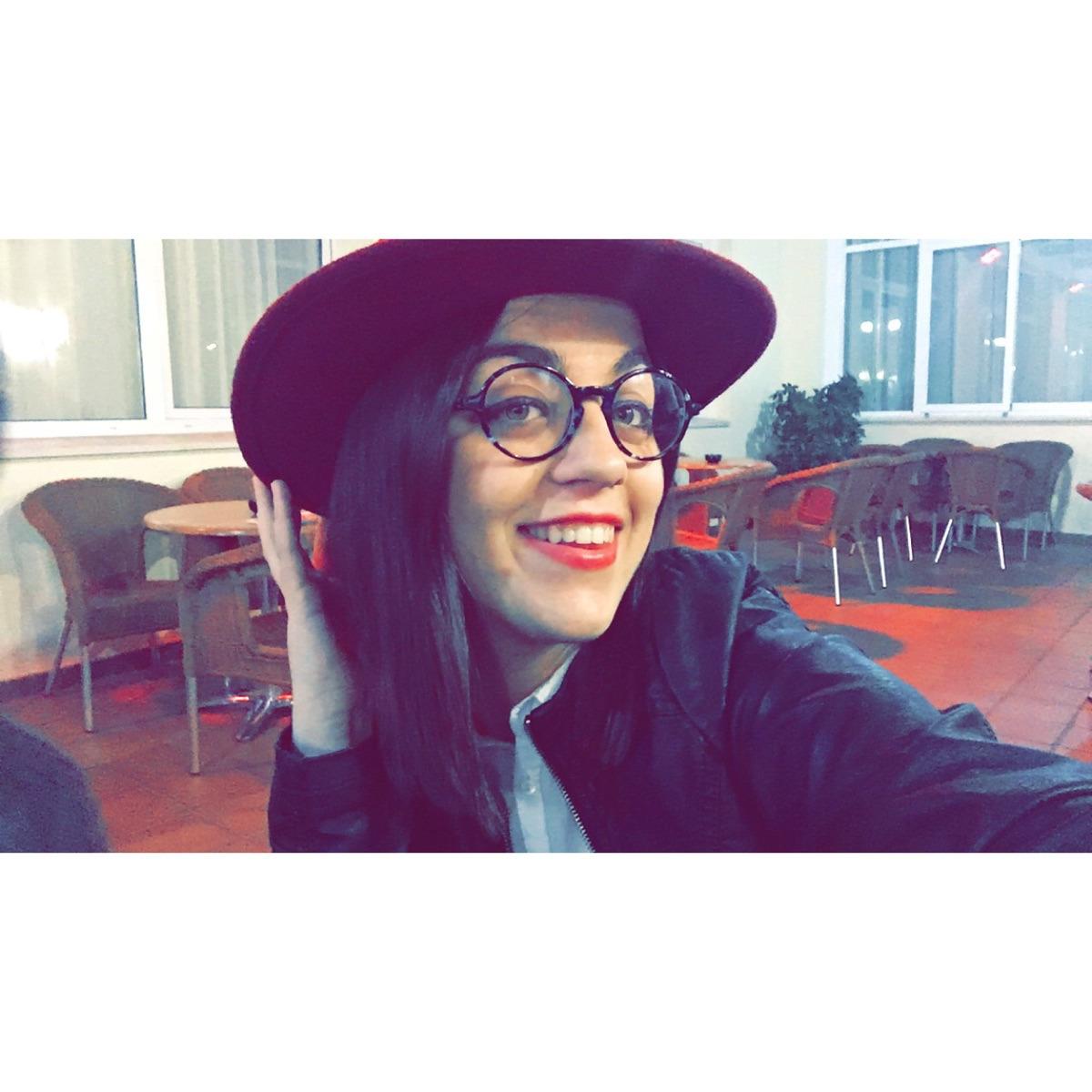 Ana Naranjo (@ananaranjo) Cover Image