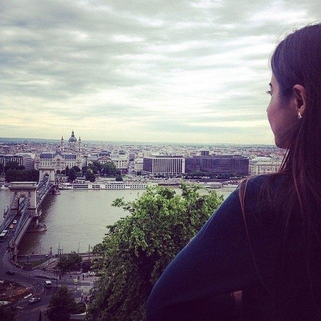 Kristina Amirkhanyan (@kristinaamirkhanyan) Cover Image