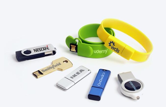 Express Custom USB (@expresscustom) Cover Image