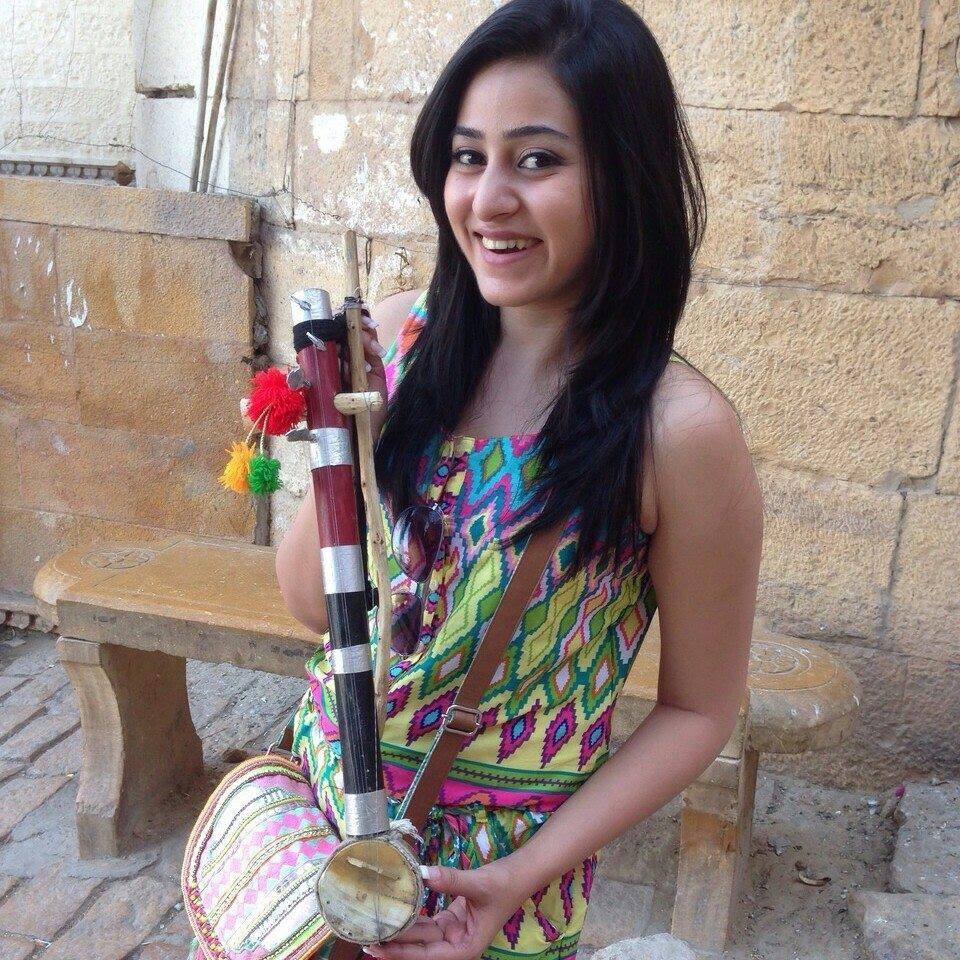Ridhi Arora (@ridhiarora) Cover Image
