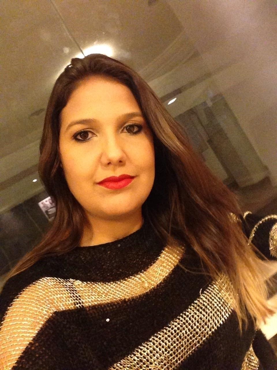 Denise Santana (@denisantana) Cover Image