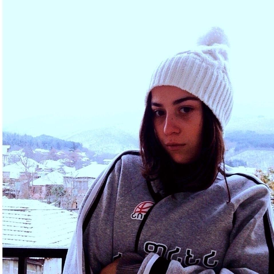 marii (@mari77) Cover Image
