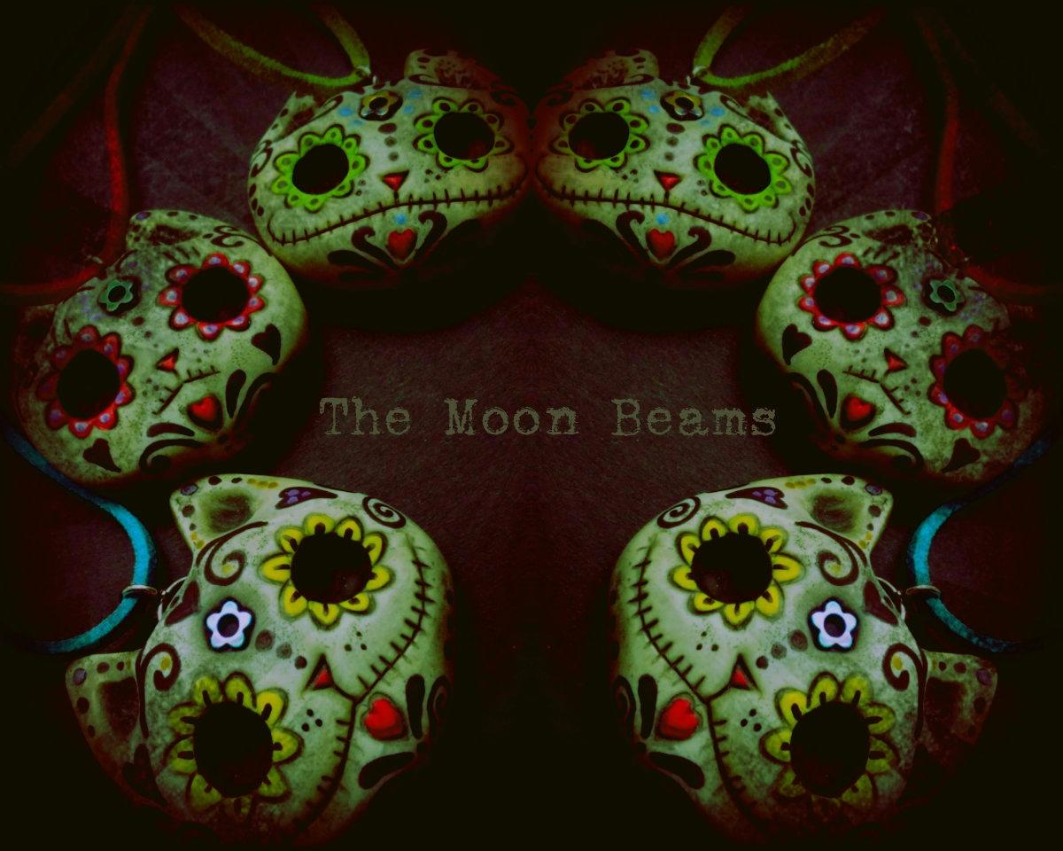 Paola Beatrix (@themoonbeams) Cover Image