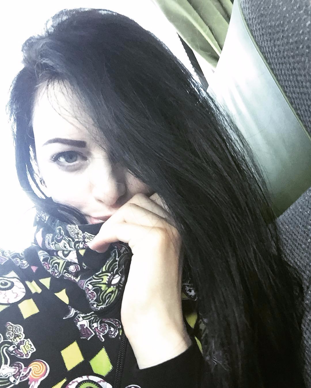 Farah Queen (@farahqueen) Cover Image