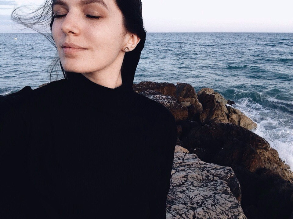 Daria Biryukova  (@dariabiryukova) Cover Image