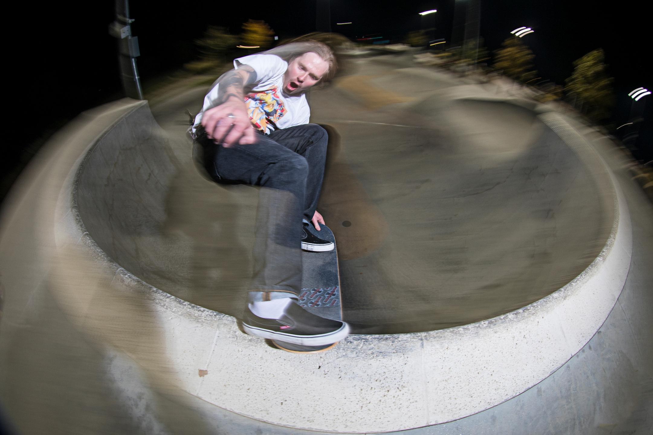 Ello Skateoarding (@ello-skate) Cover Image