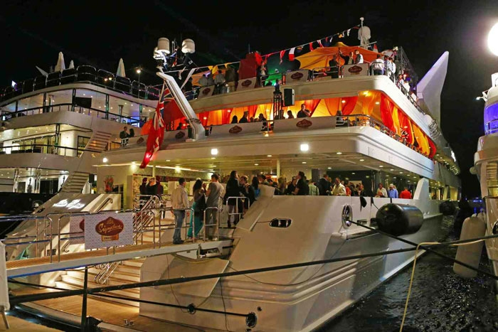 YachtRentalSanDiego (@yachtrentalsandiego) Cover Image