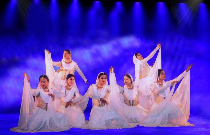 Rani Kahnam (@aamad) Cover Image