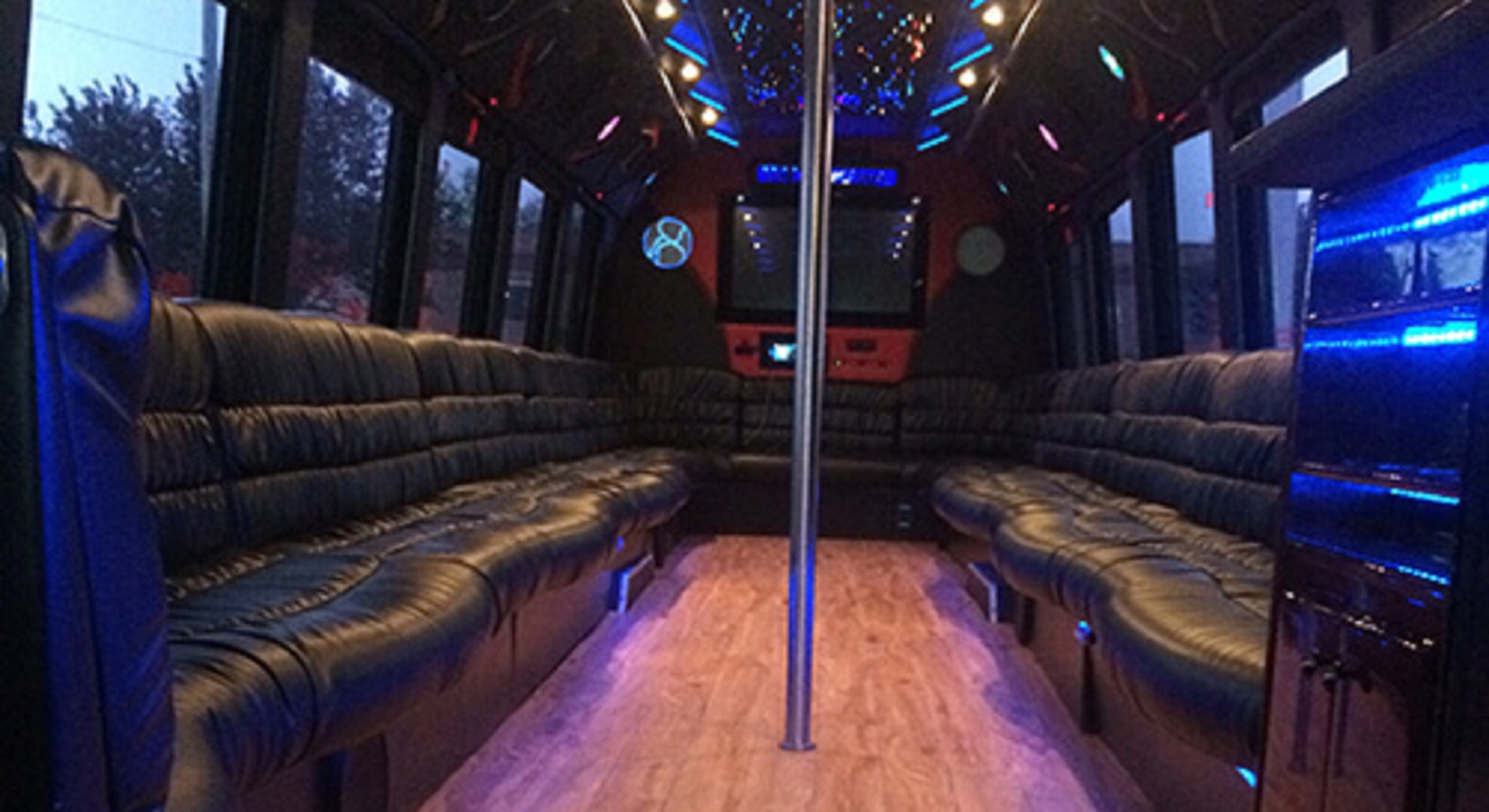 NYC Party Bus (@nycpartybus) Cover Image