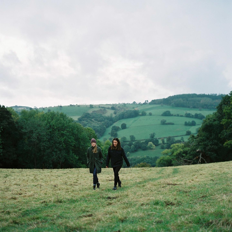 Off Grid (Sally & Kim) (@somewhereoffgrid) Cover Image