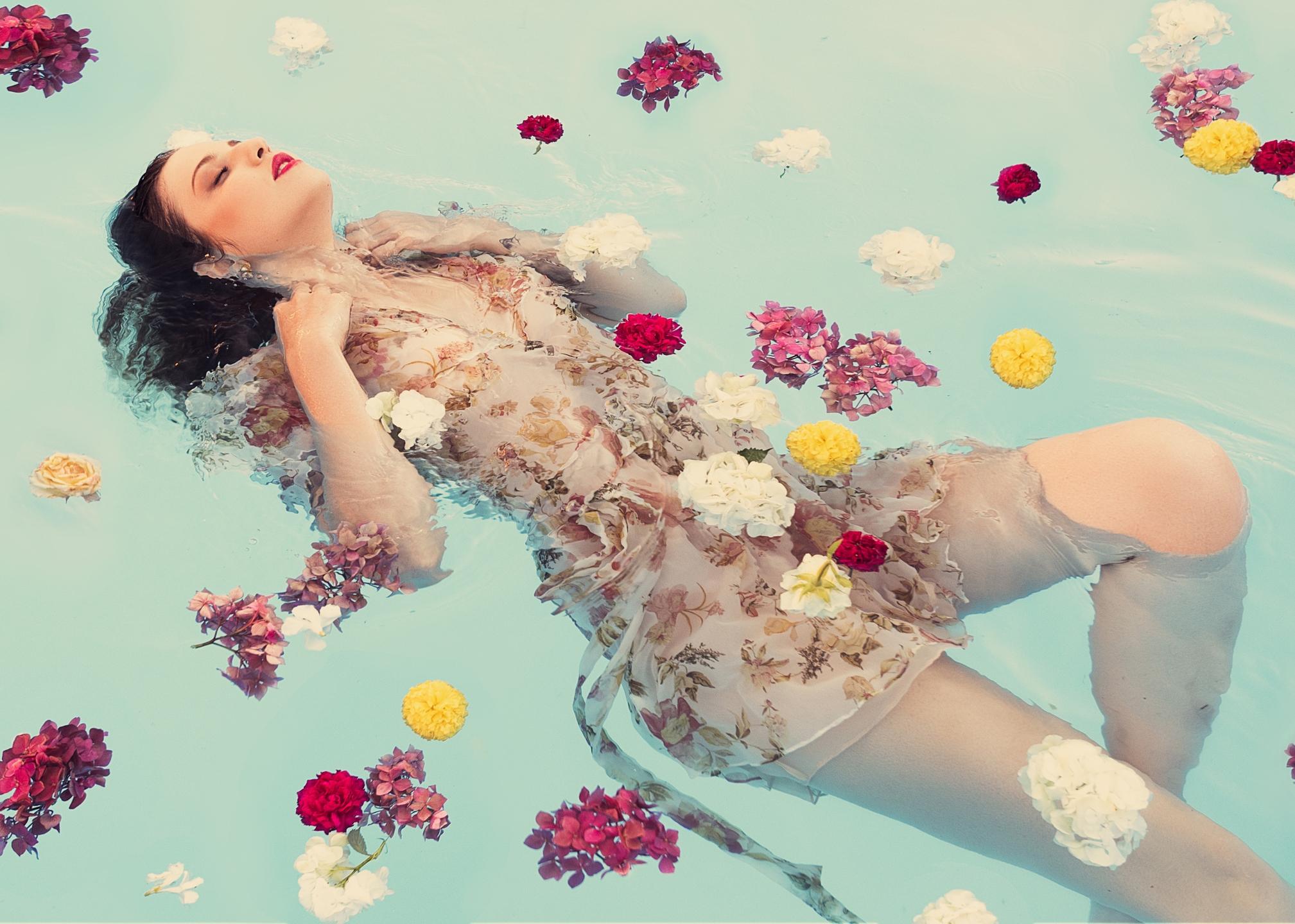 Claudia (@closuri) Cover Image