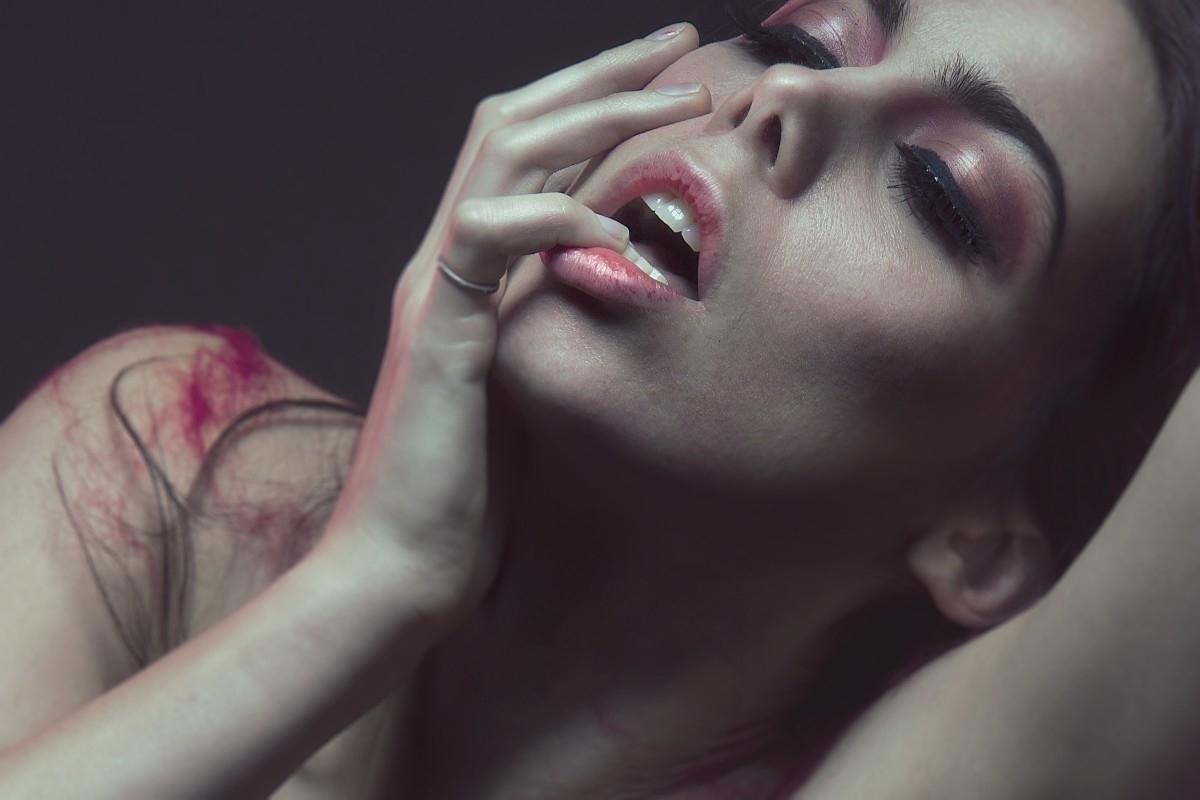 Laia (@laiacdi) Cover Image