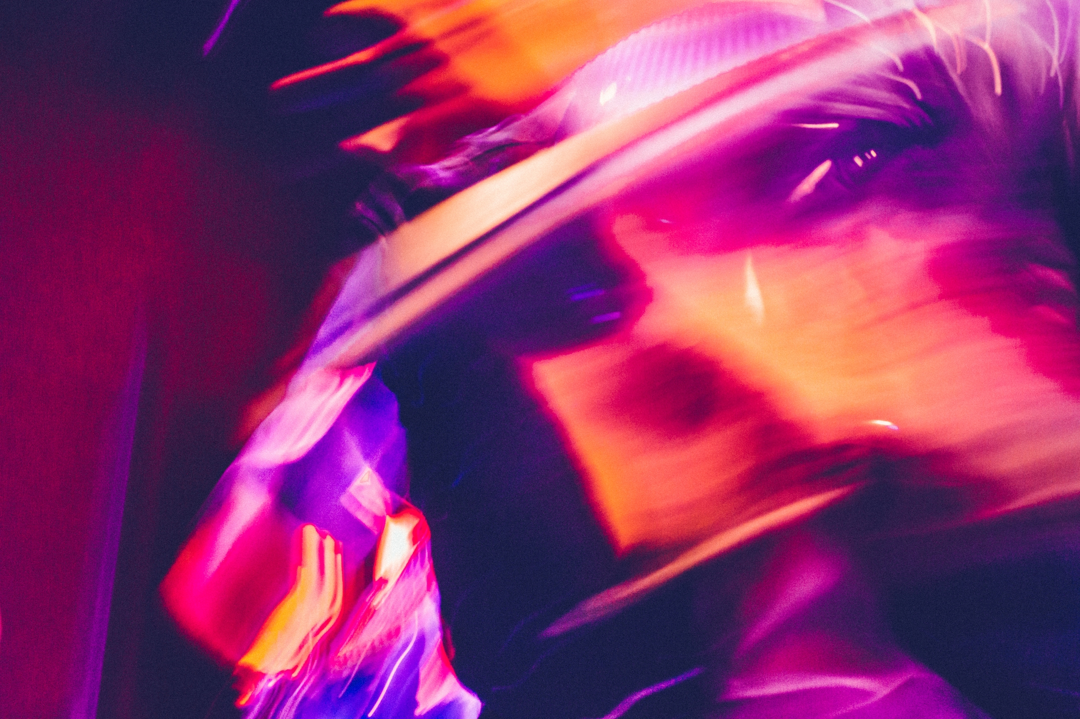 Alissa Lise Wyle (@holysmoke) Cover Image
