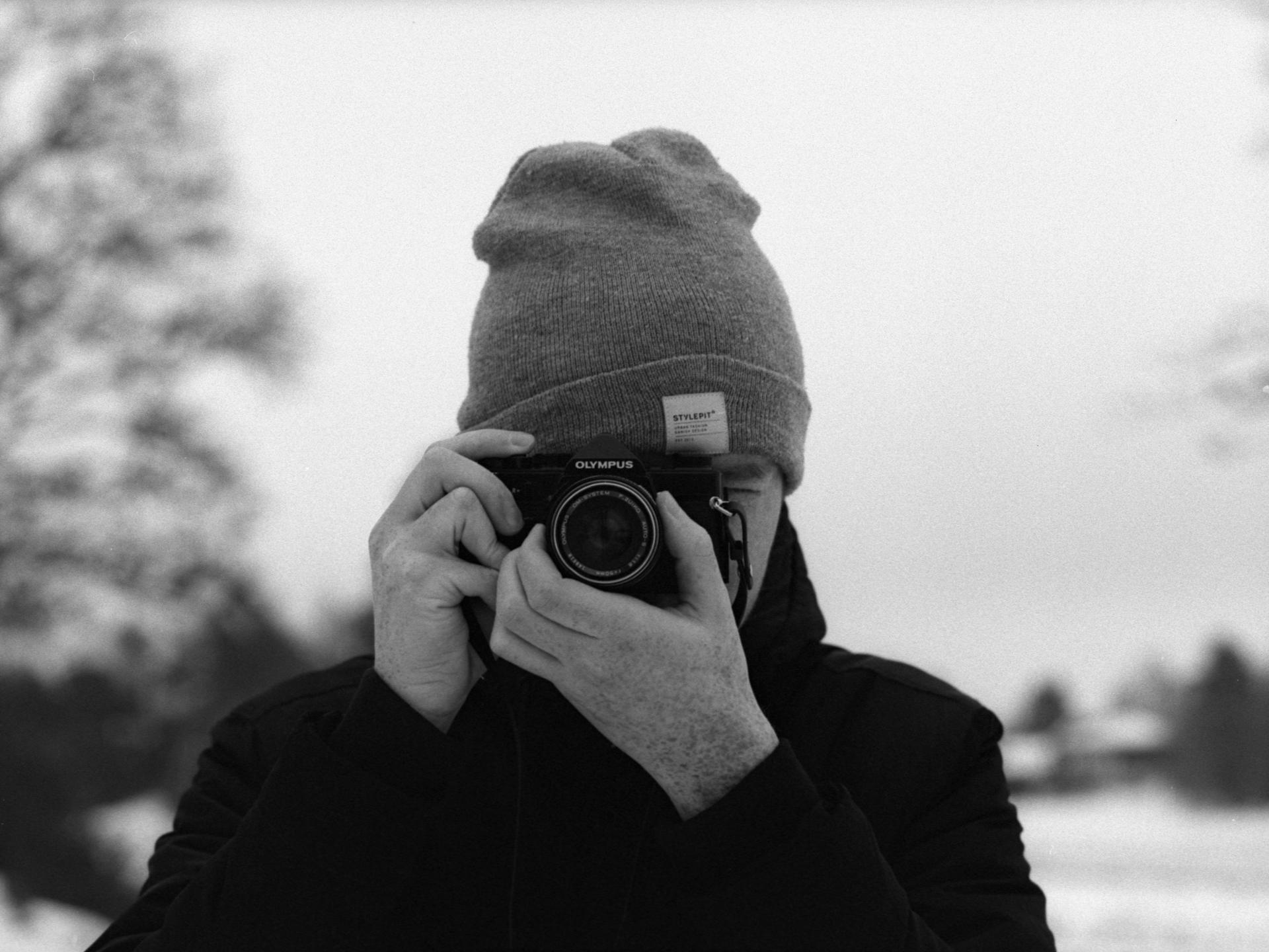 Fredrik (@negativegrain) Cover Image