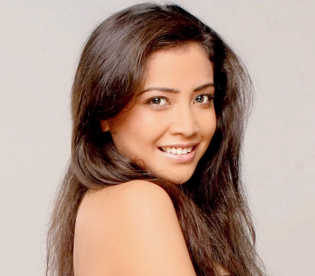 Neha kapoor (@nehakapoor012) Cover Image